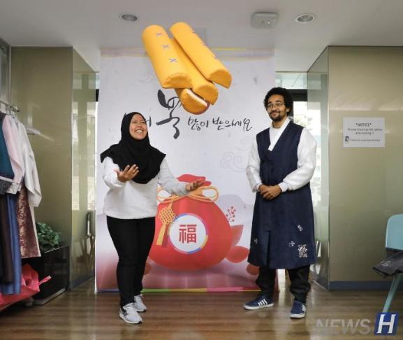 """汉阳大学,为了外国留学生举办""""春节""""活动"""