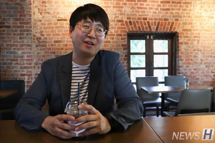 旅行摄影作家李正贤(英美语言文化系09)校友