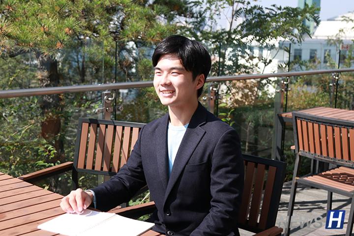 政治学系四年级李准杓,通过2019年公开招聘成为最年轻的五级公务员