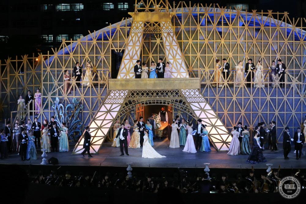 80주년 기념 야외 오페라 <라 트라비아타> 공연 현장