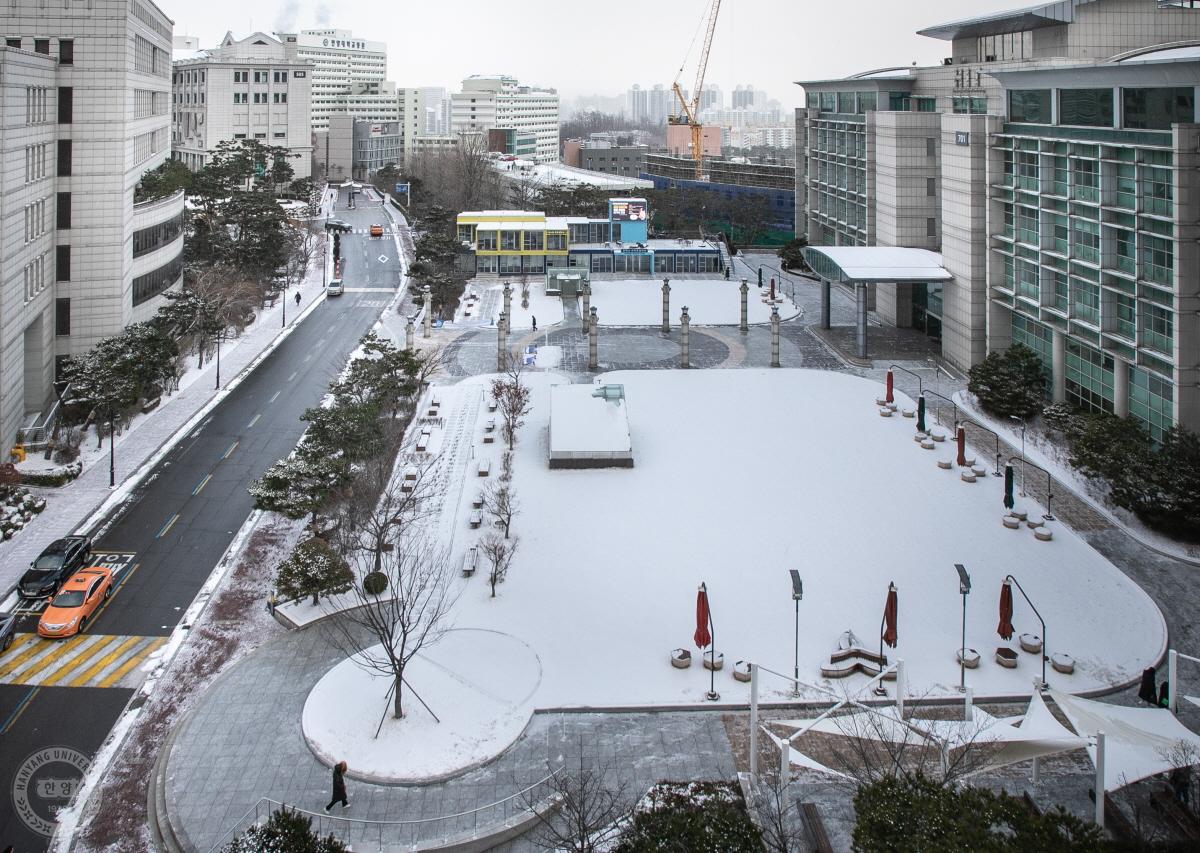 캠퍼스에 눈에 내리면 (2020.02.17)